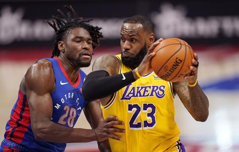 NBA常规赛!湖人队爆冷负活塞两连败