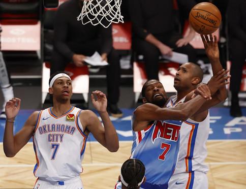 今晚篮球赛现场直播